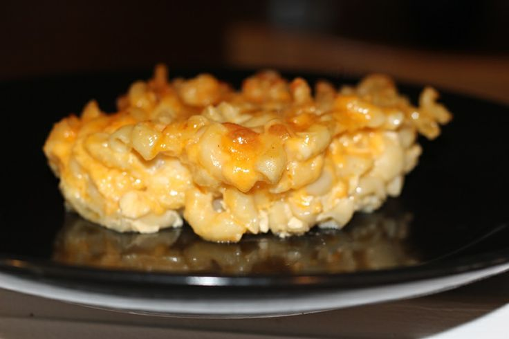 BeautyFash {from Sequins to Cilantro!}: Baked Macaroni and Cheese