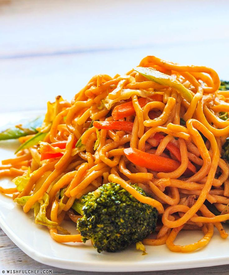 Quick and Easy Vegetable Lo Mein // wishfulchef.com #Lunch #Dinner # ...