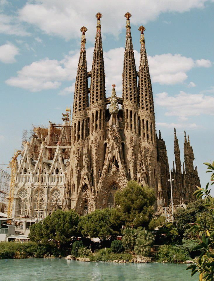 Barcelona sagrada familia beauty ii pinterest for La sagrada familia barcelona spain