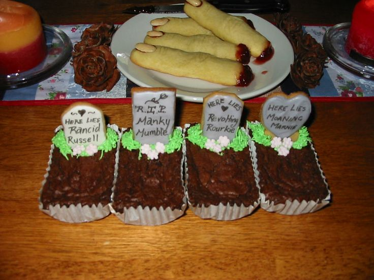 Chocolate Brownie Graveyard with Gingerbread Tombstone 'Family Plots ...