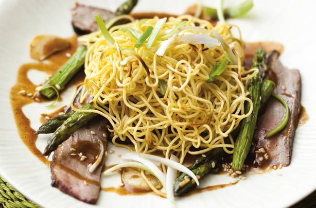 Duck with crispy noodles   Recipe