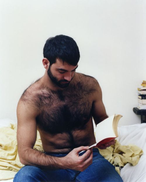 Insanely hairy AND literate! Swoon. PHOTOS: Sexy Men Reading Make Us ...
