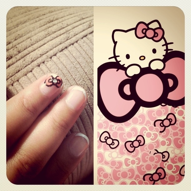 hello kittyHello Kitty Nails With Bow