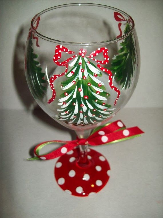 Hand painted christmas tree wine glass christmas stuff for Hand painted wine glass christmas designs