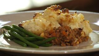 Cauliflower cheese cottage pie | Recipe
