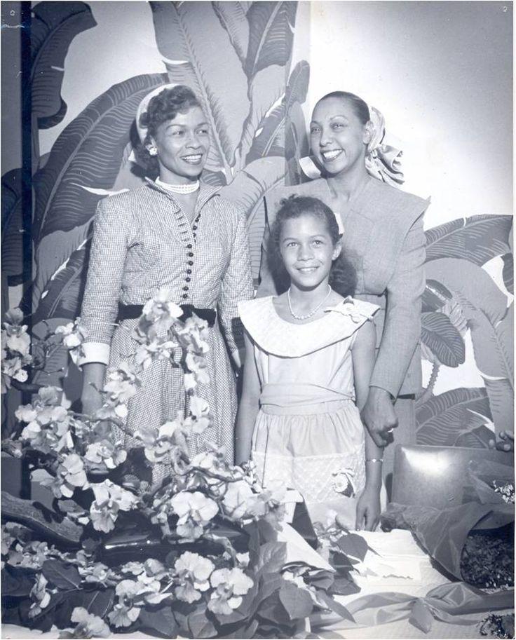 Nettie Hancock Washington, granddaugher of Booker T Washington, with Josephine Baker, Nettie (Honey) Washington Douglass (gt-granddaugter of Booker T Washington and gt-gt-granddaughter of Frederick Douglass). August 1941