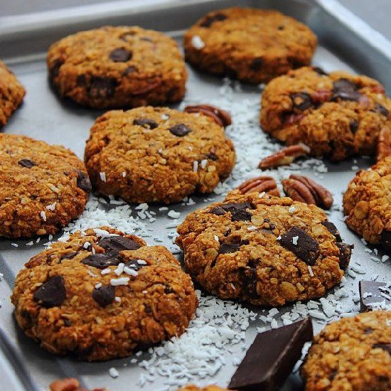Lightly chewy chocolate and pecan chunk oatmeal cookies with sweet ...