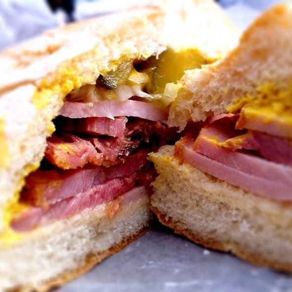 Peameal Bacon Sandwich at St. Lawrence Market in Toronto, Ontario ...