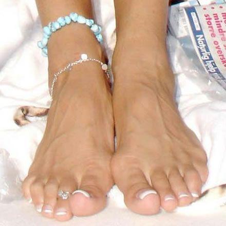 palchiki-znamenitostey-na-nogah