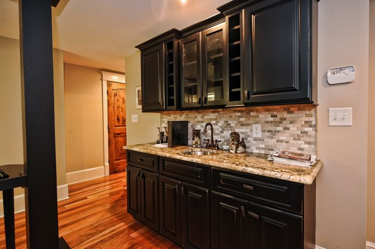 10/9 #ListingOfTheWeek Basement Wet Bar.. like the backsplash and the  | 736 x 489 · 52 kB · jpeg