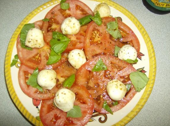 salad with burrata smoked mozzarella caprese salad quick caprese salad ...