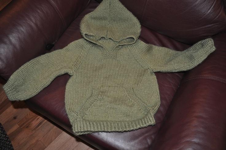 Wallaby Hoodie Knitting Pattern : Wonderful Wallaby Sweater Pattern - White Polo Sweater