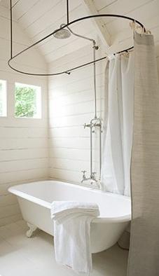 roll top shower curtain bathroom ideas pinterest petite salle de bains avec baignoire douche 27 id 233 es sympas
