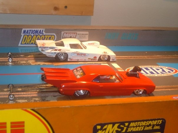 Probably the best picture of drag car slot that we could find