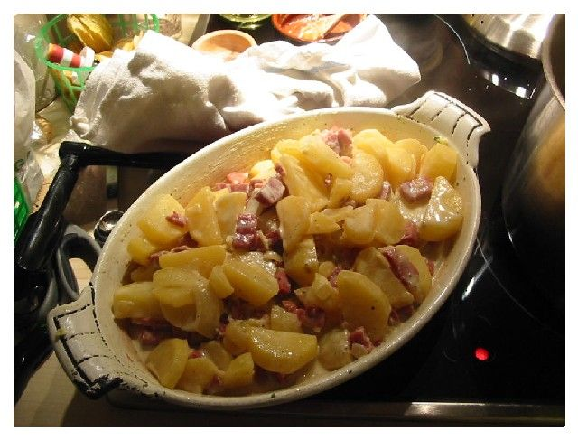 potatoes, lardons, cheese. maaaaake this.