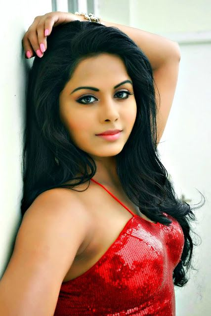 hd film gallery   all film images hd quality tamil actress in hot red