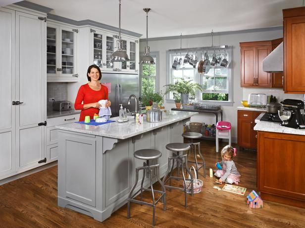 This Illinois mom dreamed of an orderly pantry and chaos-free drawers. HGTV Magazine invites you to take a peek around her pretty, practical space.