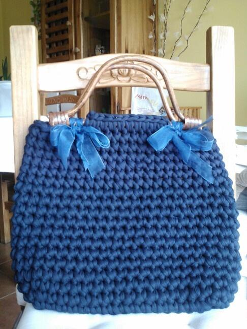 Bolsos de trapillo bolsos de trapillo con asas for Bolso crochet trapillo
