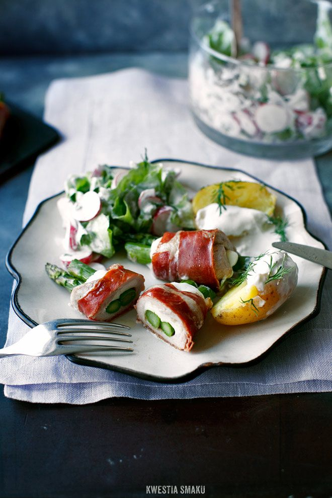 Pork Tenderloin Rolls in Prosciutto Stuffed with Asparagus and Cheese