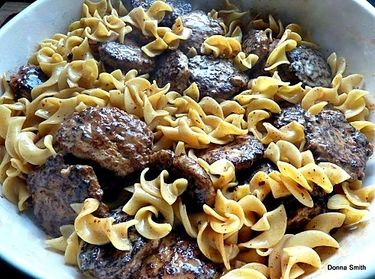 Frikadeller Meat Patties with Sauce - Lovefoodies hanging out! Tease ...