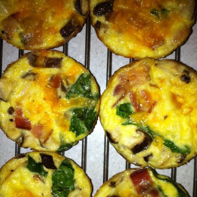 Mini frittata - spinach, mushroom, bacon & cheese!