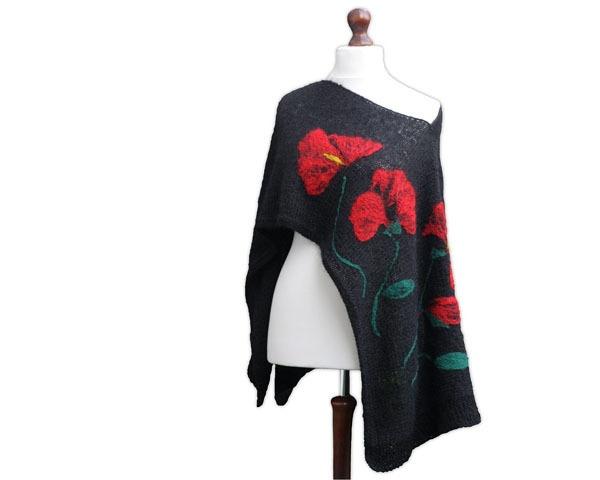 Czarne poncho/ponczo wykonane z moheru na drutach