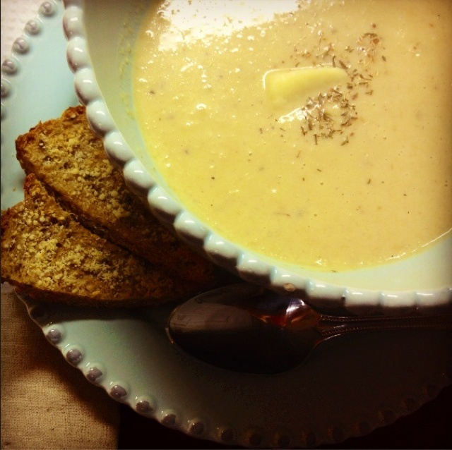 Roasted Cauliflower and Aged NE White Cheddar Soup