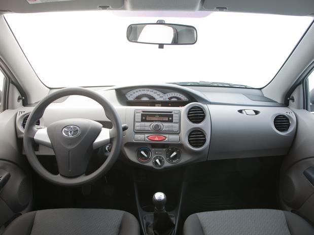 carro novo: Toyota Etios 2014