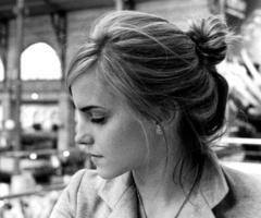 she has cute hair...