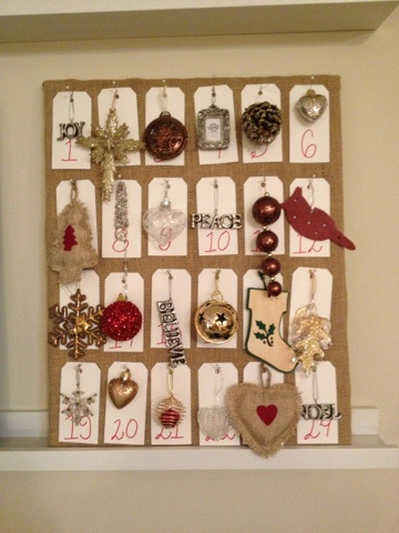 Christmas Ornament Advent Calendar...you hang up a new ornament each day...loving this!