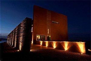 cheap hotels near the cosmopolitan las vegas