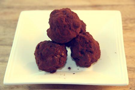 Gluten Free Dark Chocolate Cocoa Date Truffles