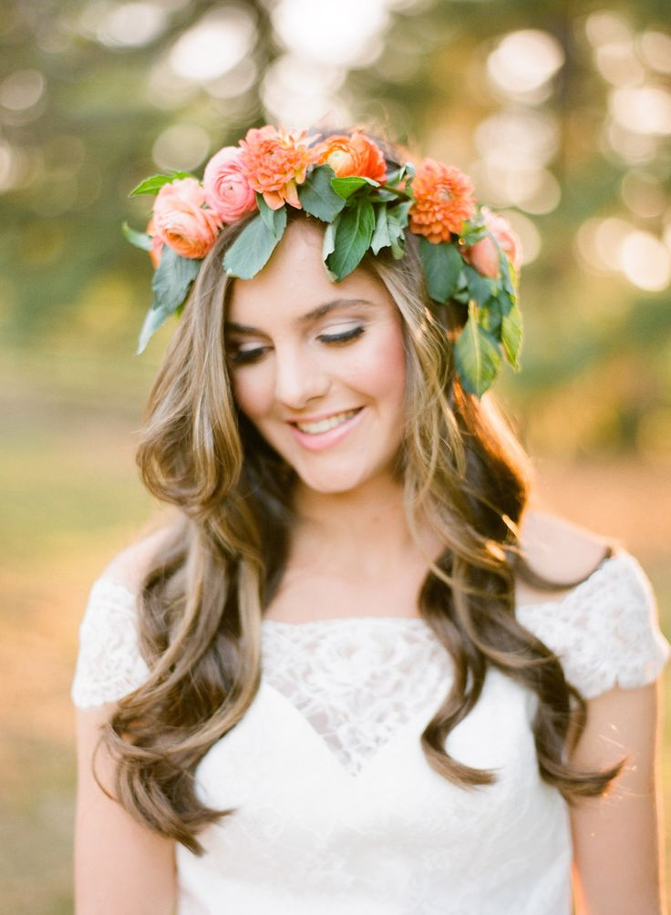 loose curls with flower crown Photography: Justin DeMutiis Photography - justindemutiisphotography.com  Read More: http://www.stylemepretty.com/2014/03/28/peach-wedding-inspiration-full-of-color/