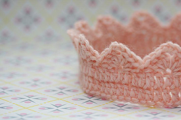 Free King Crown Crochet Pattern : Crown. crochet Pinterest