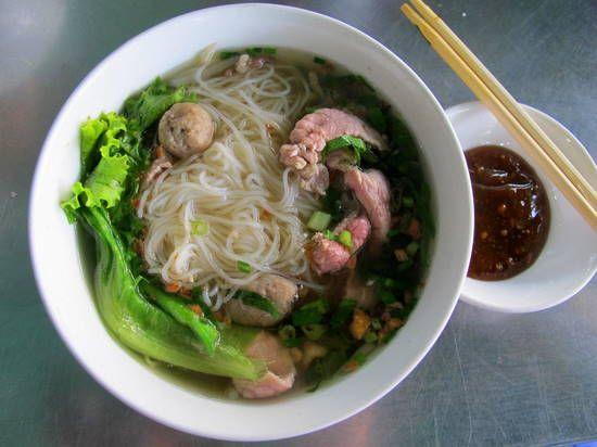 Street food in Phnom Penh: Kuy teav | Le voyage de ma jeunesse