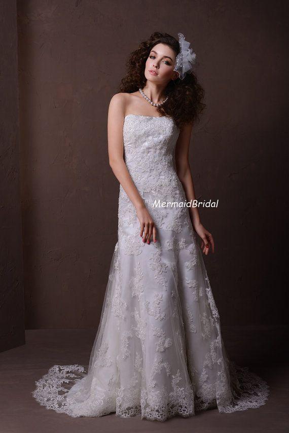 Stylish Lace Trumpet Wedding Dress Cap Sleeves Queen Anne Neckline
