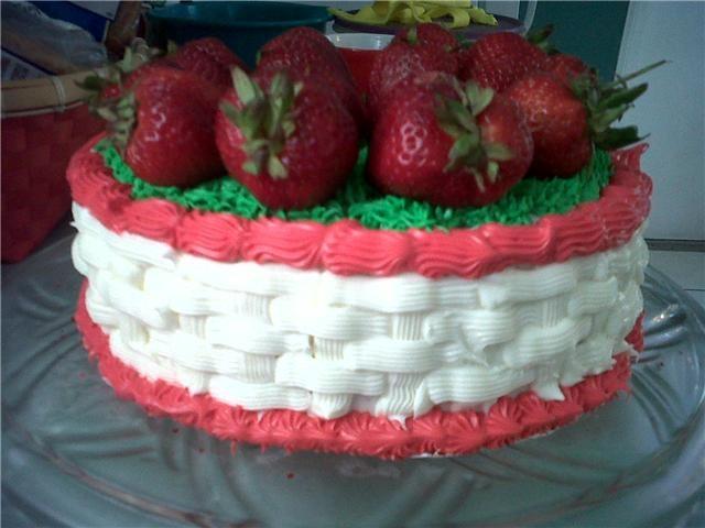 Strawberry Basket Cake | Cakes | Pinterest