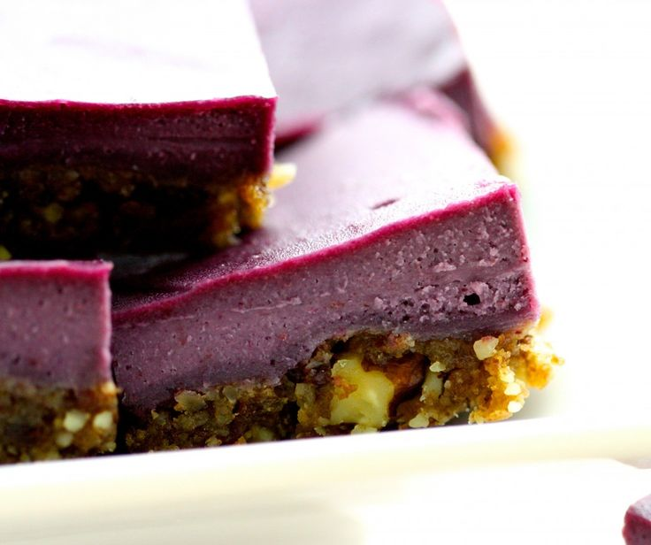 Raw vegan blackberry cheesecake bars   Super aliment ~ Superfood   Pi ...
