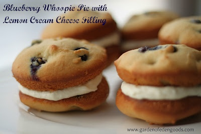 blueberry whoopie pie