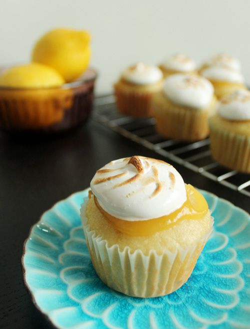 Unusually Lovely: Create Something - Blog - Lemon Meringue Cupcakes