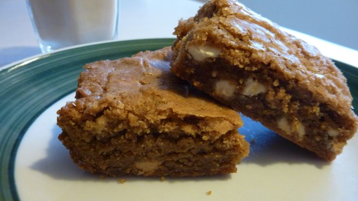 Biscoff White Chocolate Chip Blondies #earthbalance Substitute Ener-G ...