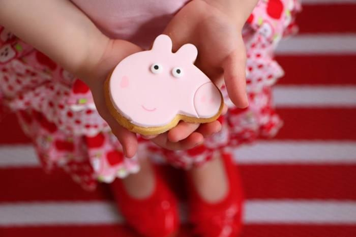 Cookies at a Peppa Pig Twins Party with LOTS of CUTE IDEAS via Kara's Party Ideas | KarasPartyIdeas.com #Pig #Party #Ideas #Supplies #PeppaPig #cookies