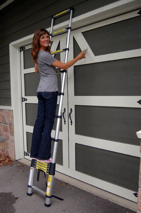 Idea of painting garage doors to blend home exterior - Garage door painting ideas ...