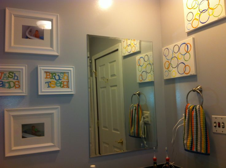 Boys bathroom decor deanna pinterest for Boys and girls bathroom ideas