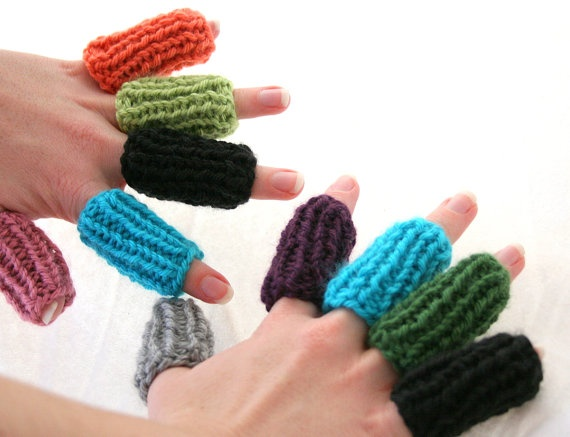 Crochet Tools : Crochet Finger Guard - Crochet Tool made with knitting