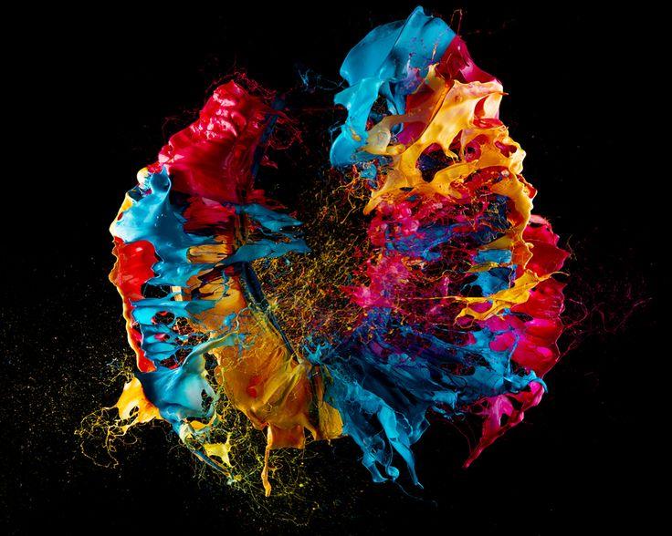Fabian Oefner's exploding paint balloons