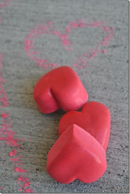 DIY Valentine Heart Shaped Chalk -- perfect party favor!