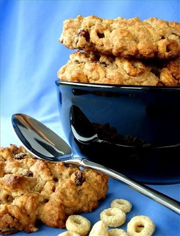 Cheerios Jumbo Breakfast Cookies. Photo by Marg (CaymanDesigns)