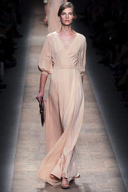 "This style dress in a lavendar or wine color would be a great mother of the bride dress without having that ""mother of the bride"" feel. CC: Valentino Spring 2013 RTW"