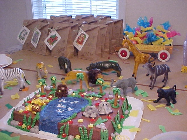 Jungle/zoo party  Party Ideas  Pinterest